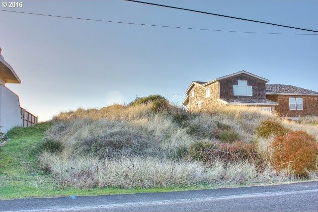 1606 NW Oceania Dr, Waldport, OR 97394