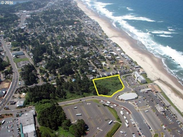 4000 NW Block 40th St, Lincoln City, OR 97367