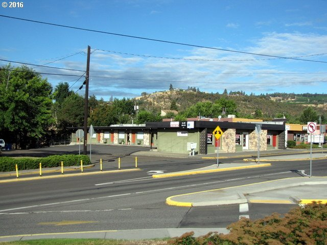 800 W 6th, The Dalles, OR 97058