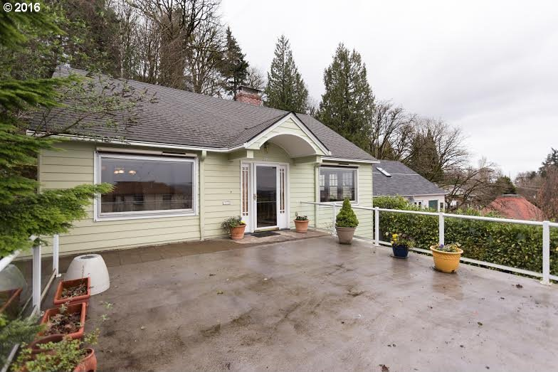 3319 SW Barbur Blvd, Portland, OR 97239