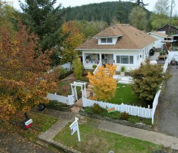 127 E Fourth Ave, Sutherlin, OR 97479