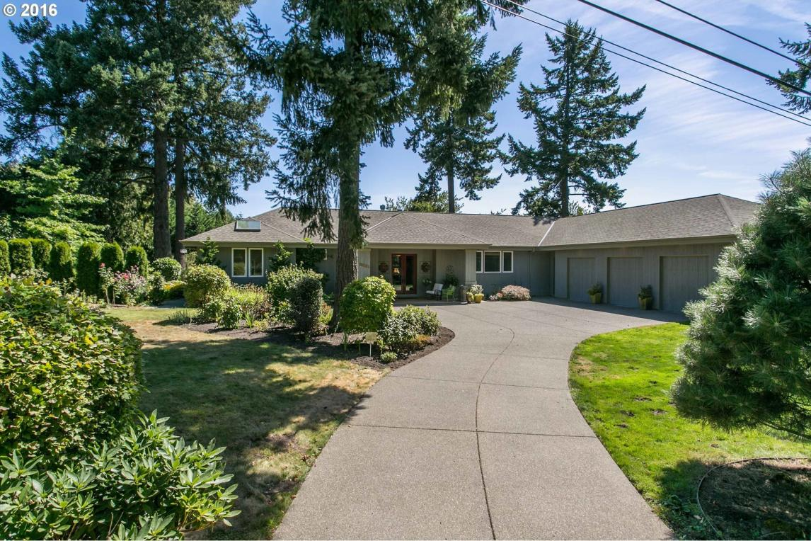 19801 S Hazelhurst Ln, West Linn, OR 97068