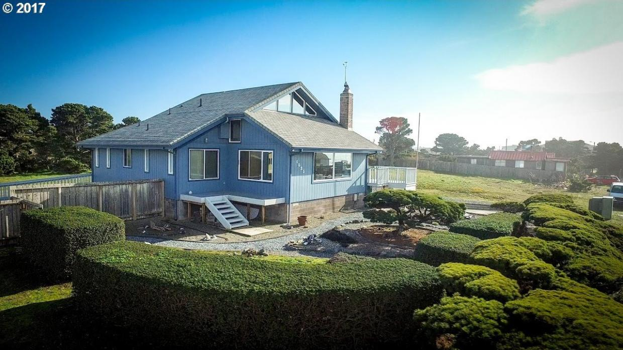 1525 Beach Loop Dr, Bandon, OR 97411