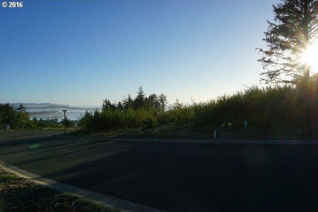 4000 SE Lee Ave, Lincoln City, OR 97367
