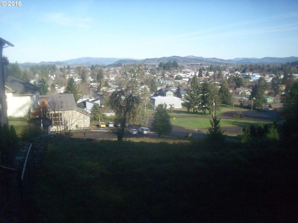 Holbrook St, Creswell, OR 97426