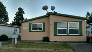 33318 Royal Dr, Scappoose, OR 97056