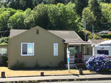 282 Winchester Ave, Reedsport, OR 97467