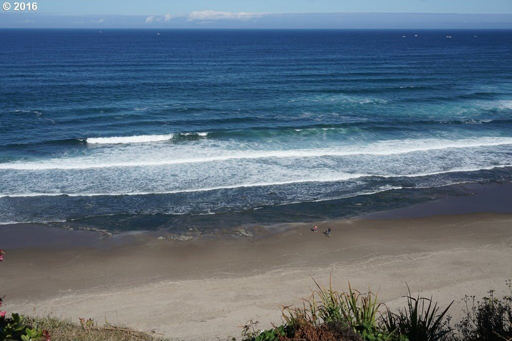 800 SW 7th St, Lincoln City, OR 97367