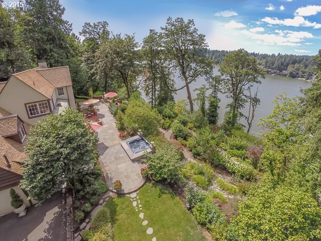 16715 Phantom Bluff Ct, Lake Oswego, OR 97034