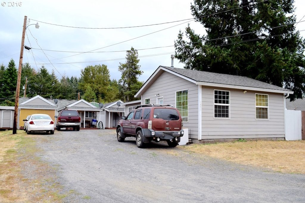 1451 53rd Ave, Sweet Home, OR 97386