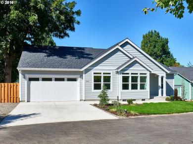 3501 7th St, Hubbard, OR 97032