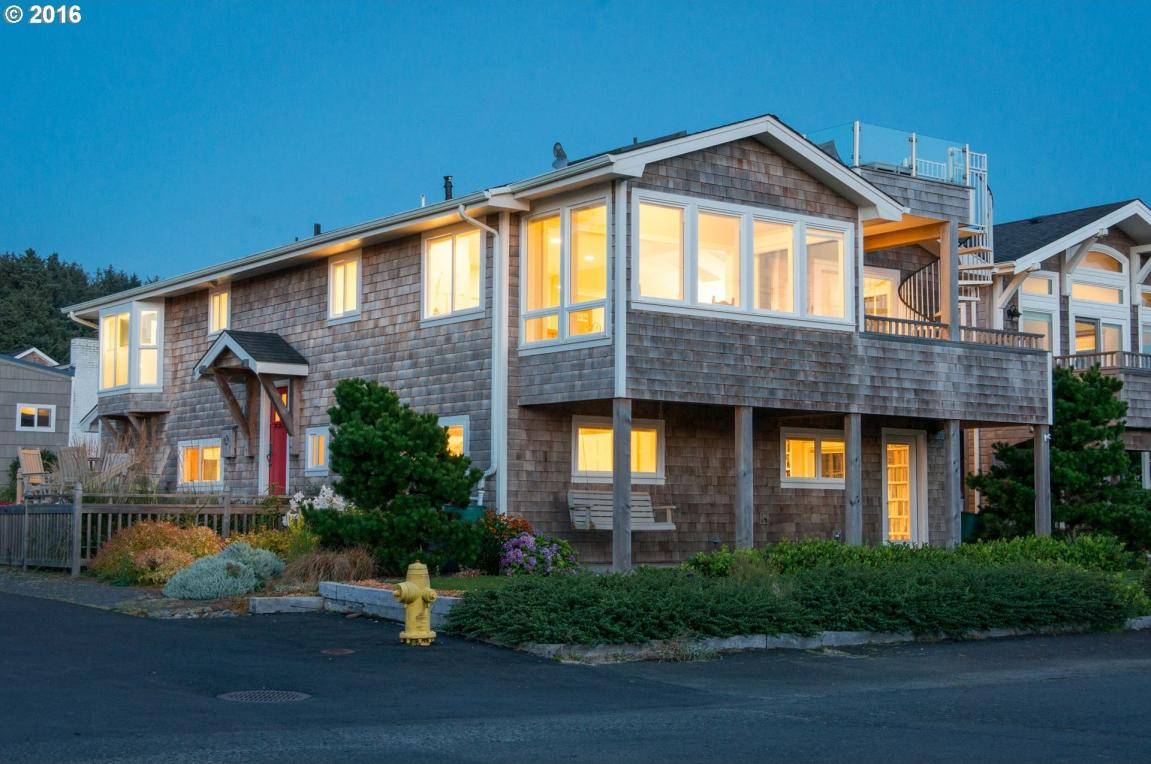 179 W Chisana St, Cannon Beach, OR 97110