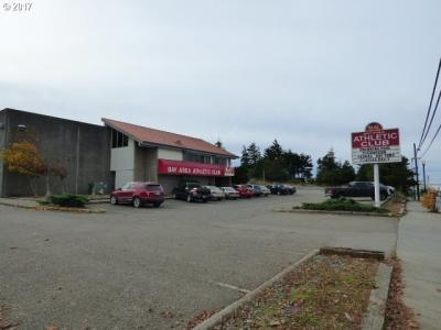 Photo of 985 Newmark Ave, Coos Bay, OR 97420