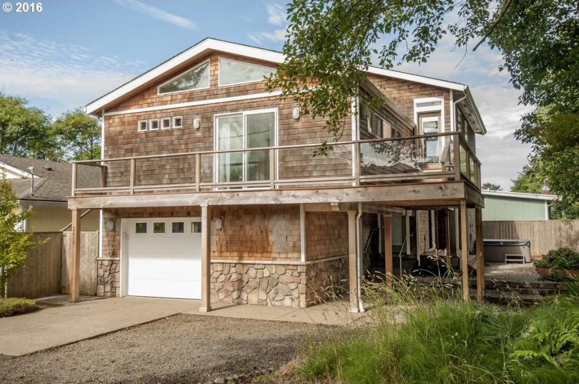 3495 NW Oar Ave, Lincoln City, OR 97367