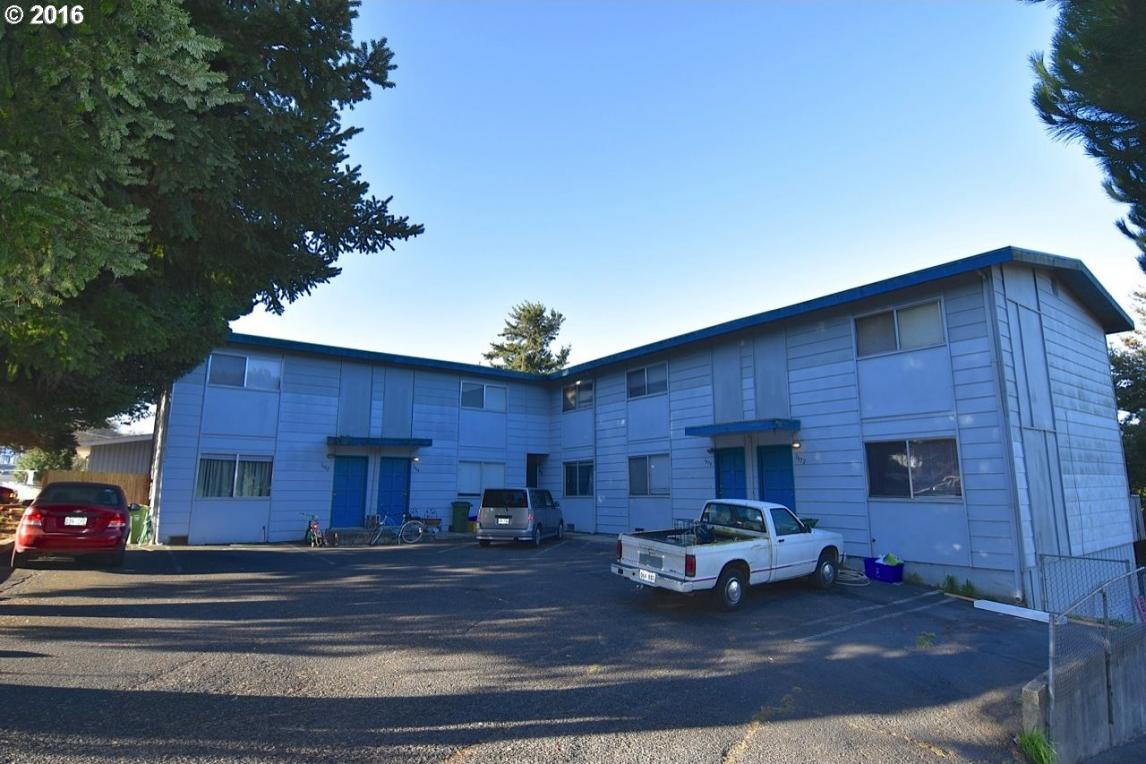 1672 Mcpherson, North Bend, OR 97459