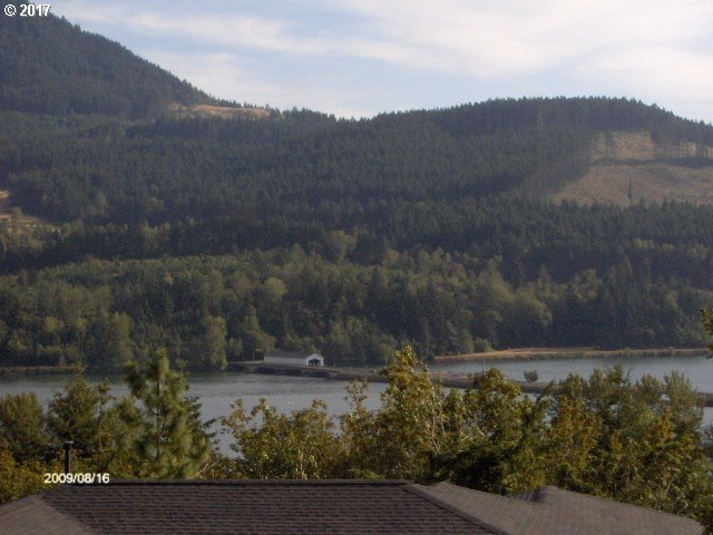 Sunridge Ln, Lowell, OR 97452