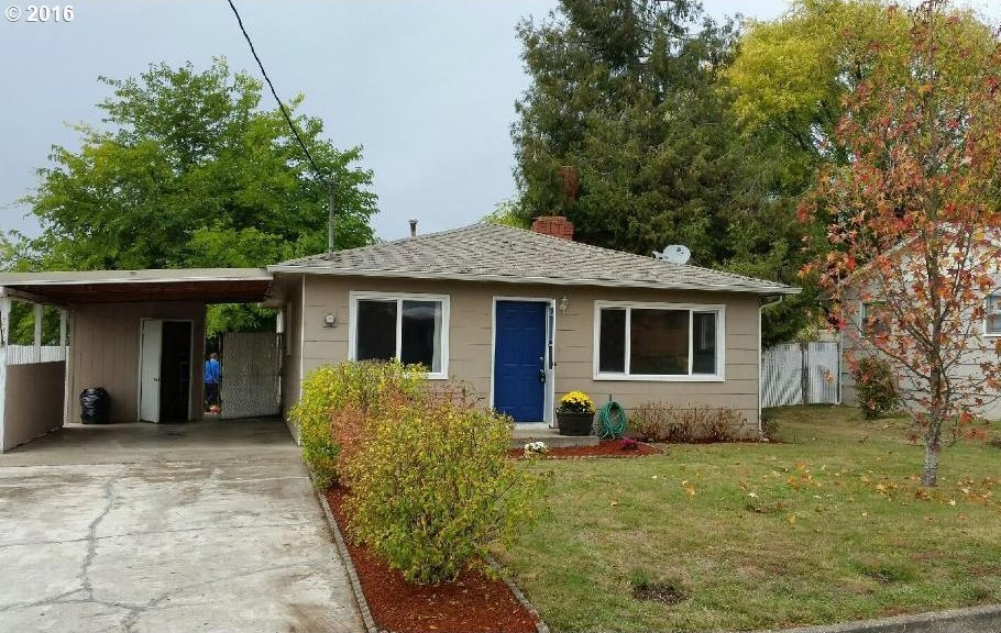 240 NW Cary St, Winston, OR 97496