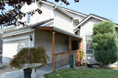 893 S 44th Pl, Springfield, OR 97478