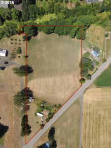 96250 Noraton Rd, Junction City, OR 97448