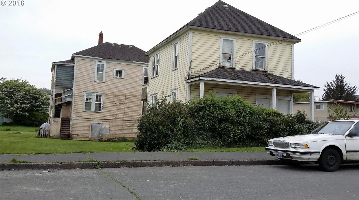297 Hall, Coos Bay, OR 97420