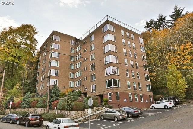 1205 SW Cardinell Dr #802, Portland, OR 97201