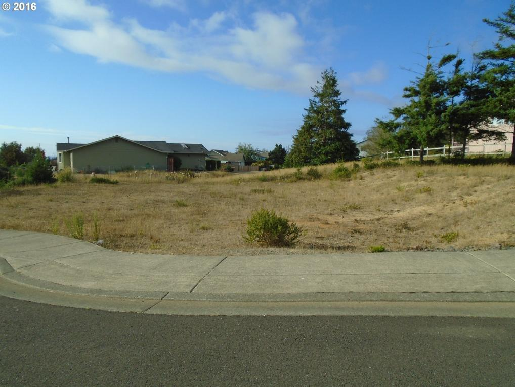 Nautical Ct, Coos Bay, OR 97420