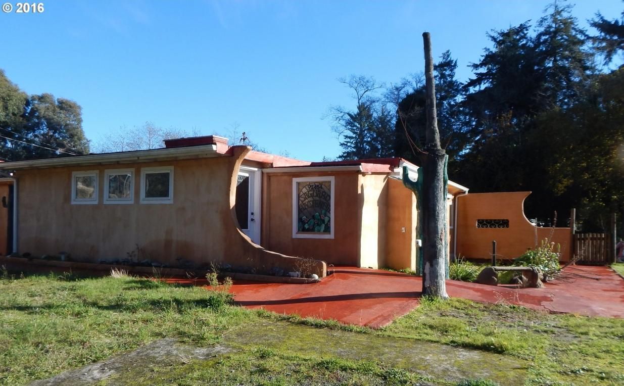 92454 Cape Arago Hy, Coos Bay, OR 97420