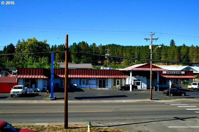 865 W Central Ave, Sutherlin, OR 97479
