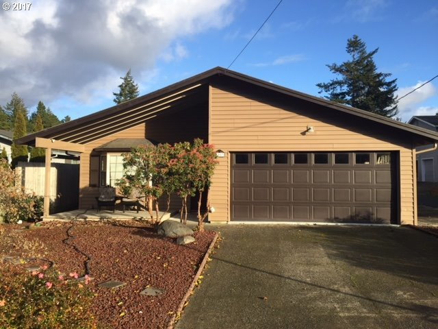 1987 Ash Ave, North Bend, OR 97459