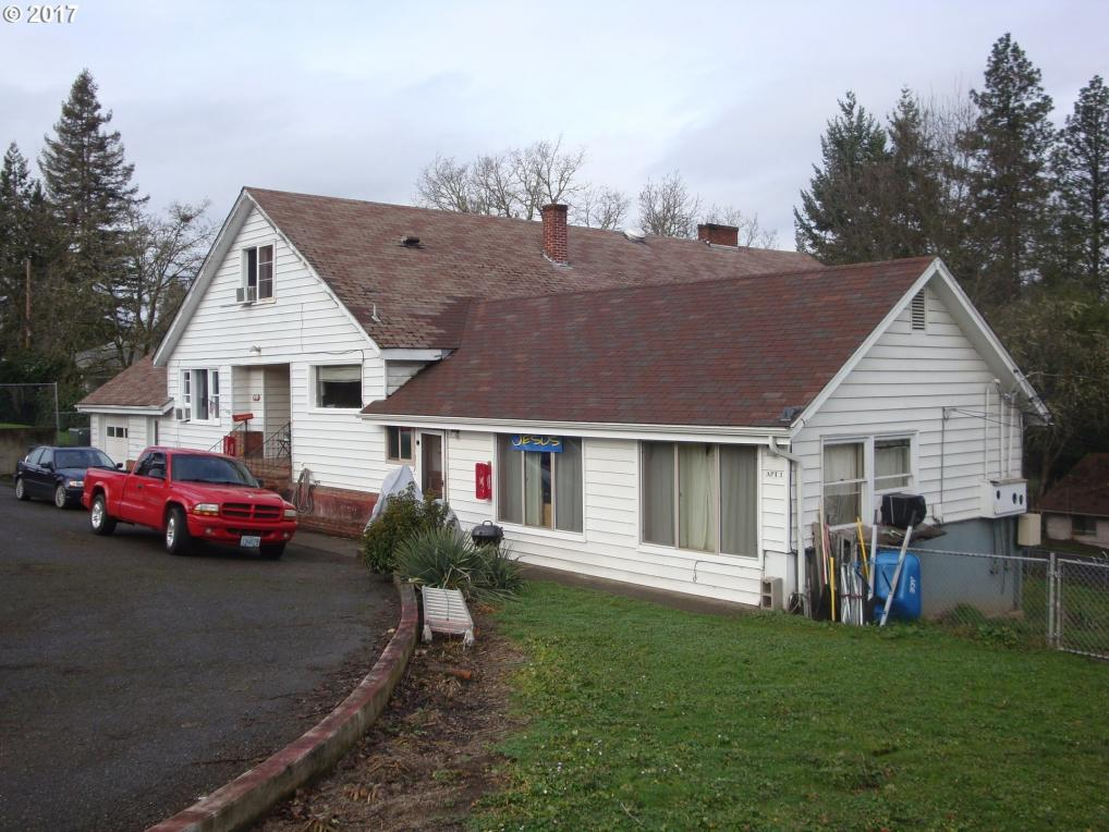 2316 W Harvard Ave, Roseburg, OR 97471