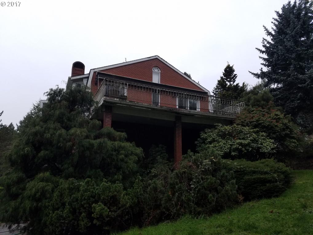 2050 Childs Rd, Lake Oswego, OR 97034