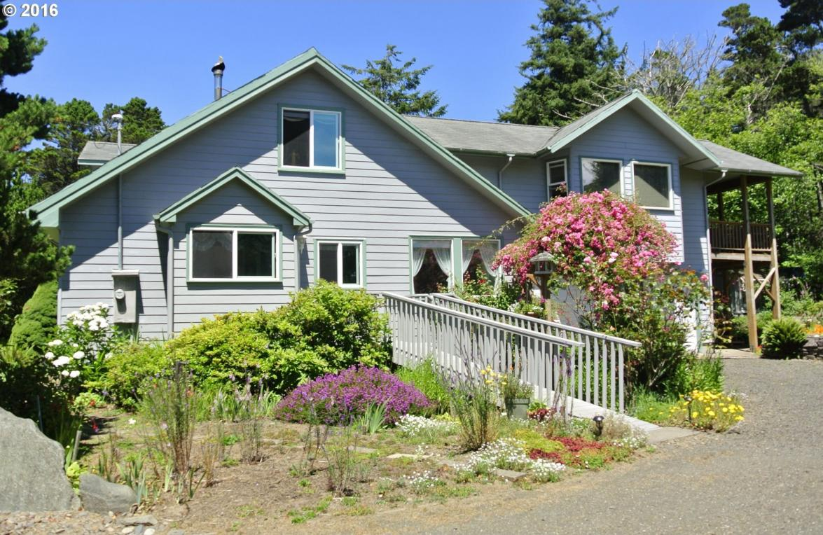 8721 NW Grandview St, Seal Rock, OR 97376