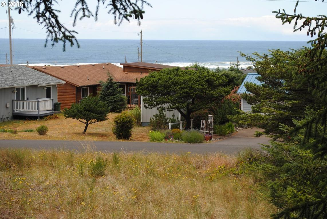 2509 NW Parker Ave, Waldport, OR 97394