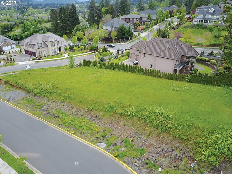 8853 SE Northern Heights Ct, Happy Valley, OR 97086