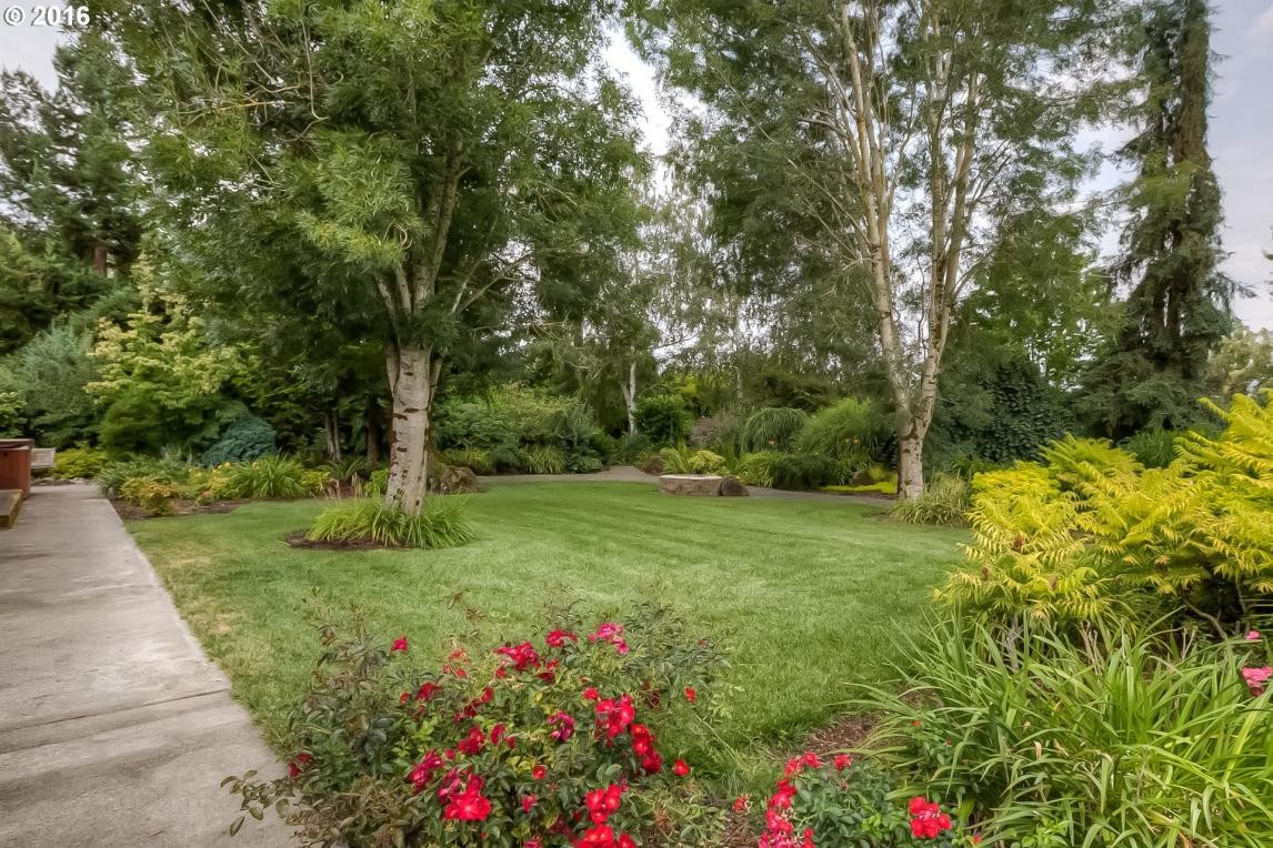 6415 Lakeside Dr, Salem, OR 97305