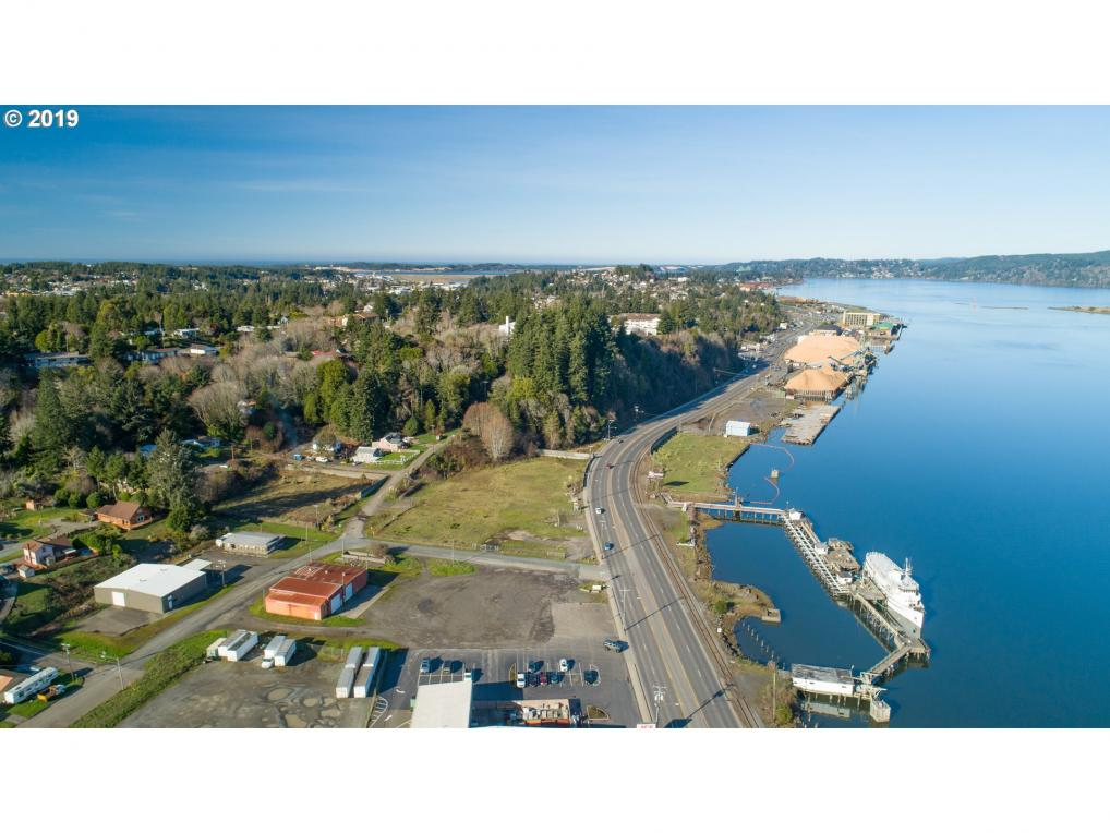 N Bayshore Dr, Coos Bay, OR 97420