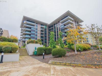 Photo of 1830 NW Riverscape St #701, Portland, OR 97209