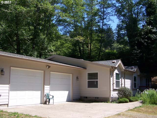 83051 Siltcoos Station Rd, Westlake, OR 97493