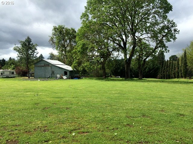 Page Rd, Winchester, OR 97495