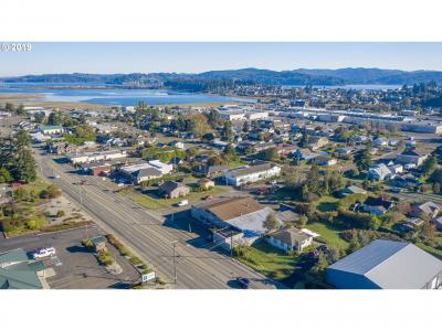 Photo of 2315 Broadway, North Bend, OR 97459