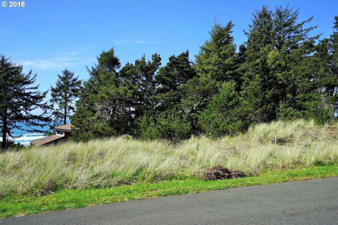 3706 NW Shore View Loop, Waldport, OR 97394