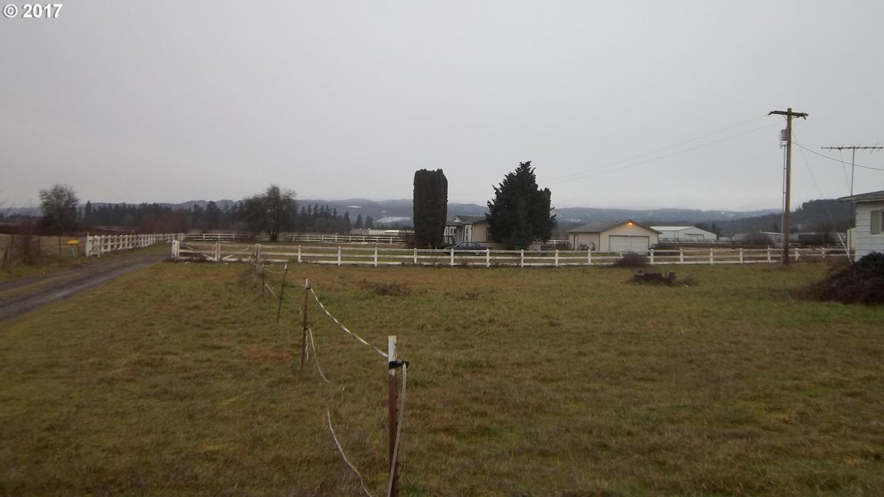53677 Ringaring Rd, Scappoose, OR 97056