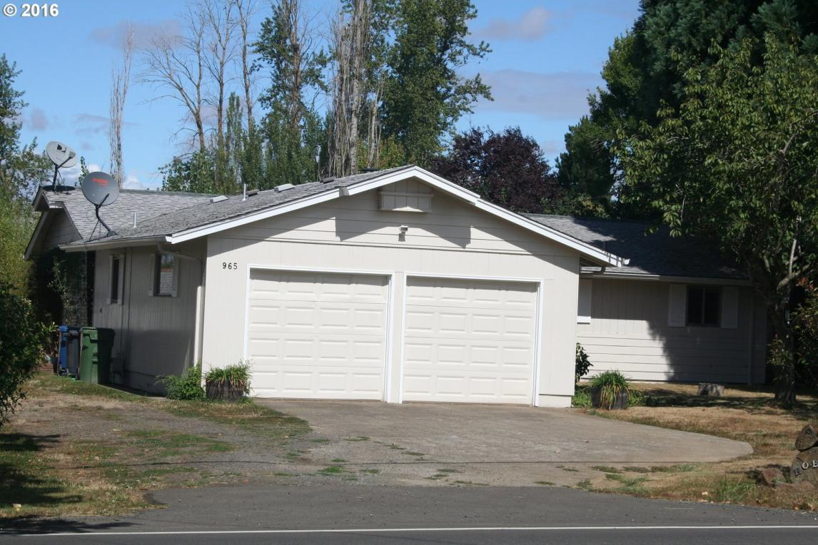 965 Hobart Rd, Silverton, OR 97381