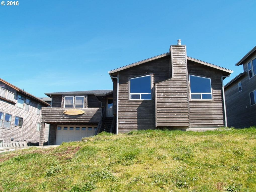 54219 Rohrer Ave, Bandon, OR 97411