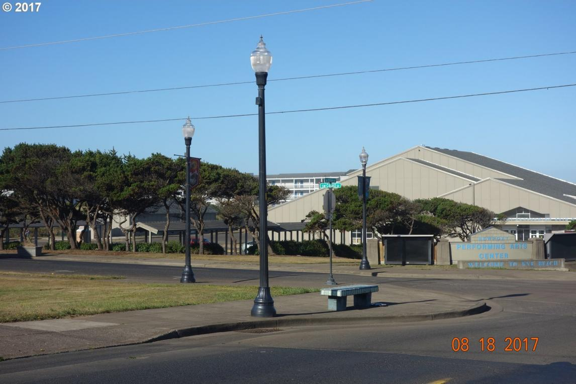 621 W Olive St, Newport, OR 97365