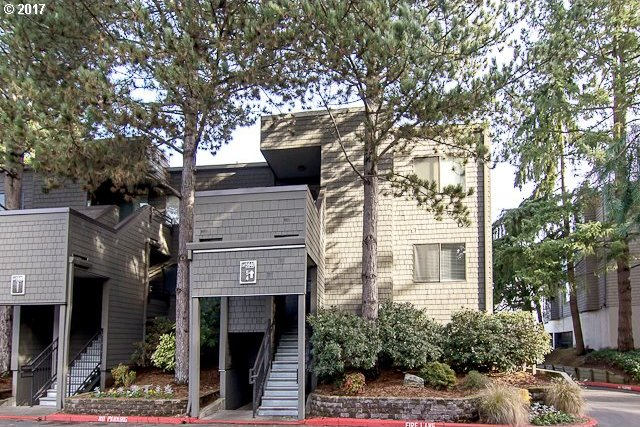 5640 SW Riverside Ln #4, Portland, OR 97239