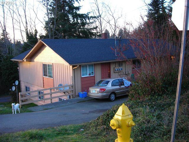 589 10th Ave, Coos Bay, OR 97420