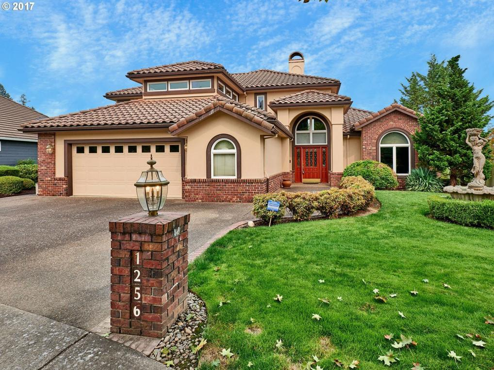 1256 NW Oakmont Ct, Mcminnville, OR 97128