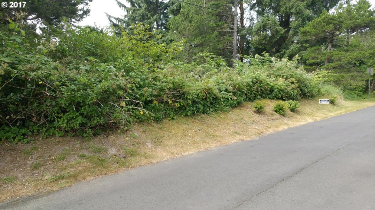 3rd St, Gearhart, OR 97138