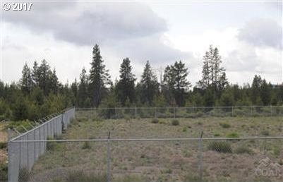 51525 Russell Rd, La Pine, OR 97739